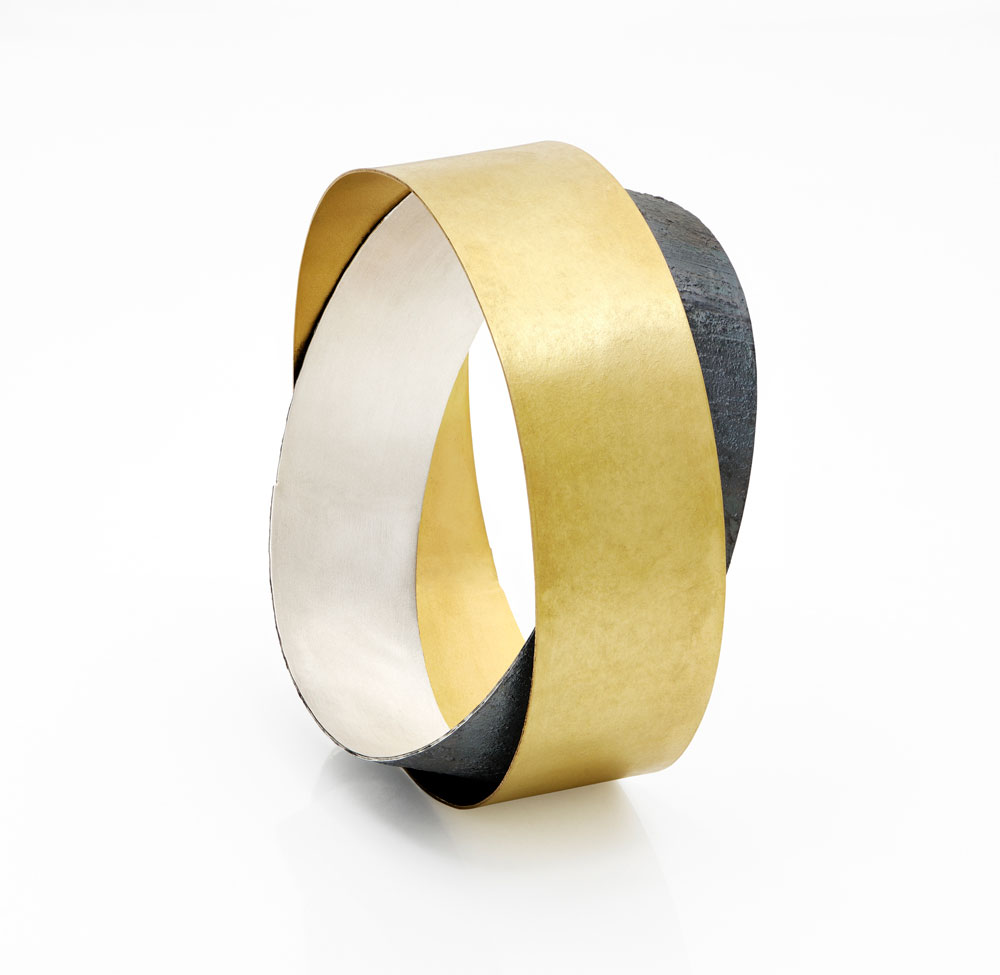 Gigi Mariani. Bracelet: Double, 2019. 18ct yellow gold, silver, niello. ø 6.7 x 2 cm.