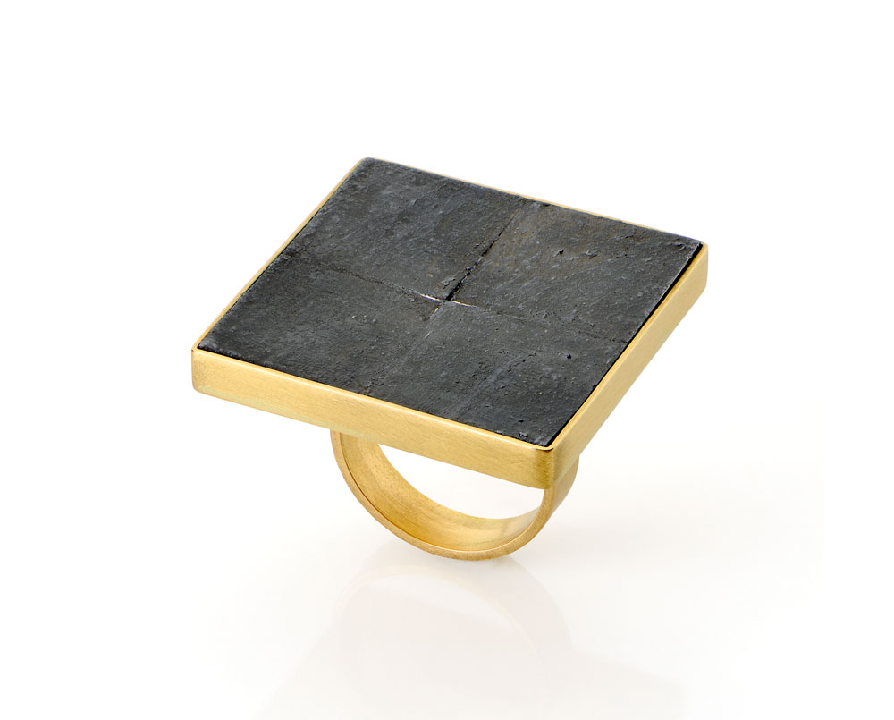 Gigi Mariani. Ring: 4 Black squares, 2019. 18ct yellow gold, silver, niello. 3 x 3 x 2.8 cm.